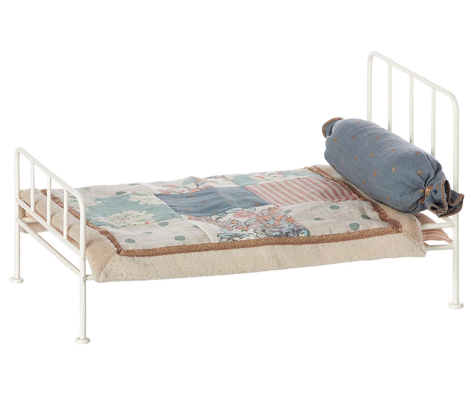 Puppenetagenbett Weiß : Kinder und babygeschenke maileg puppenbett mini weiß